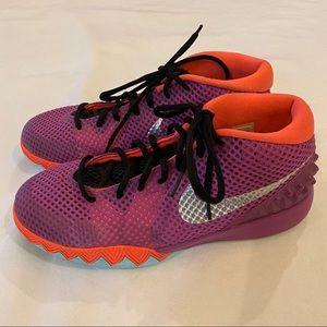 KYRIE IRVING Nike Sneakers 7Y
